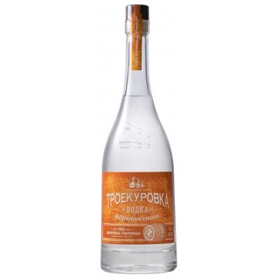 Абрикосовая водка «Троекуровка»